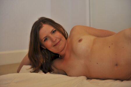 Femme adultère soumise pour coquin expérimenté souvent disponible