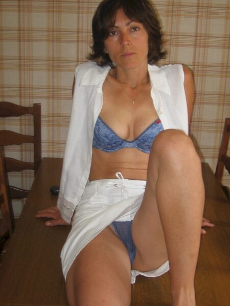 Femme coquine docile pour mec séduisant