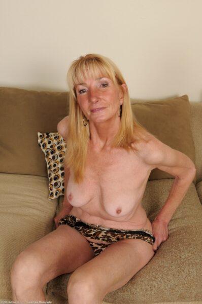 Femme cougar sexy vraiment très mignonne cherche un homme réservé