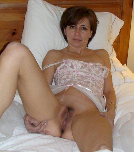 Femme mature docile pour mec qui aime soumettre